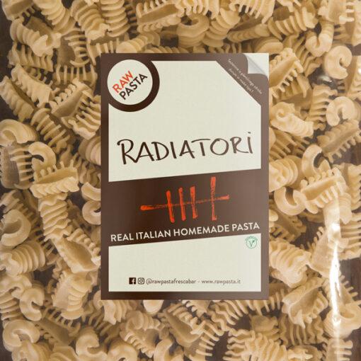 Dobre sveže domače testenine v obliki Radiatori iz Rawpasta Ljubljana