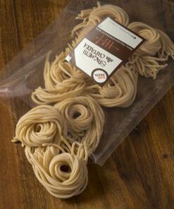 Dobre sveže domače testenine v oblik Špageti na kitaro iz Raw pasta Ljubljana