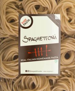 Dobre sveže domače testenine v obliki debeli špageti iz Rawpasta Ljubljana