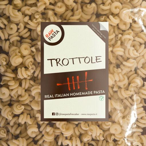 Dobre sveže domače testenine v obliki Trottole iz Rawpasta Ljubljana