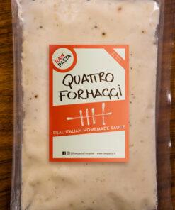 Il classico sugo italiano ai Quattro Formaggi di Rawpasta