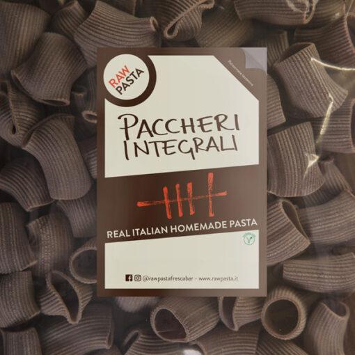 Dobre sveže polnozrnate domače testenine v obliki paccheri iz Rawpasta