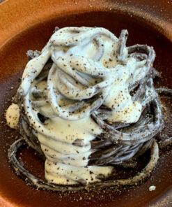 La gustosa e semplice ricetta per la Pasta Fresca Artigianale Cacio e Pepe di Rawpasta