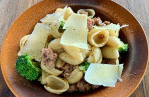 Dobra recept za sveže domače testenine z Brokolijem in Klobaso Rawpasta Ljubljana